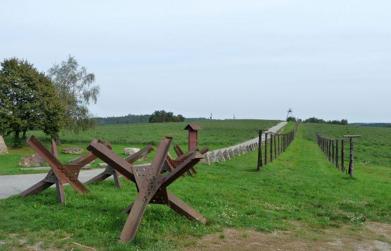 iron_curtain_trail__restant_van_het_ijzeren_gordijn___luc_oteman